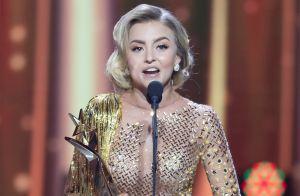 Se burlan de Angelique Boyer por ponerse vestido al revés en Premios TVyNovelas 2019