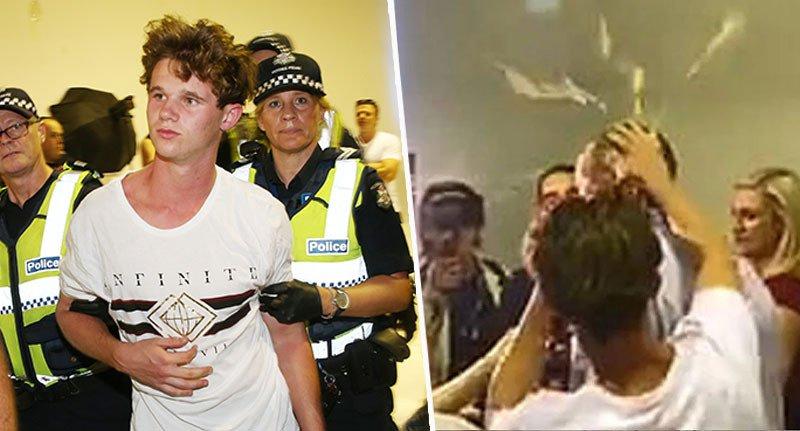 Adolescente lanza huevos a un senador australiano.