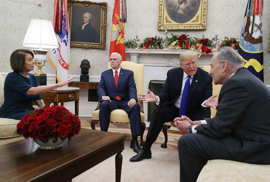 Demócratas advierten a Trump de nuevo cierre de Gobierno si pide $8,600 millones para el muro