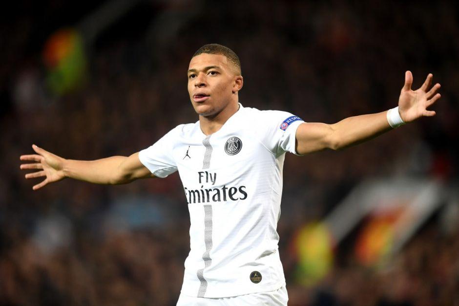 France Football afirma que el Real Madrid prepara una oferta millonaria por Mbappé