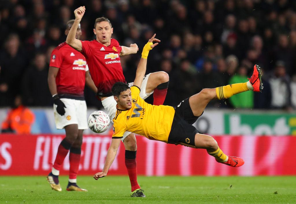 Raúl Jiménez hace histórico gol al Manchester United y se le rinden en Inglaterra