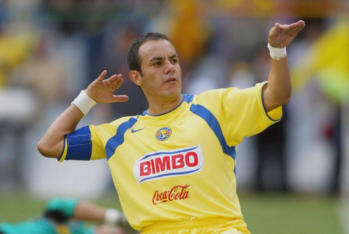 Cuauhtémoc Blanco ya tiene su propia 'línea' de camisetas con la 'Temoseñal'