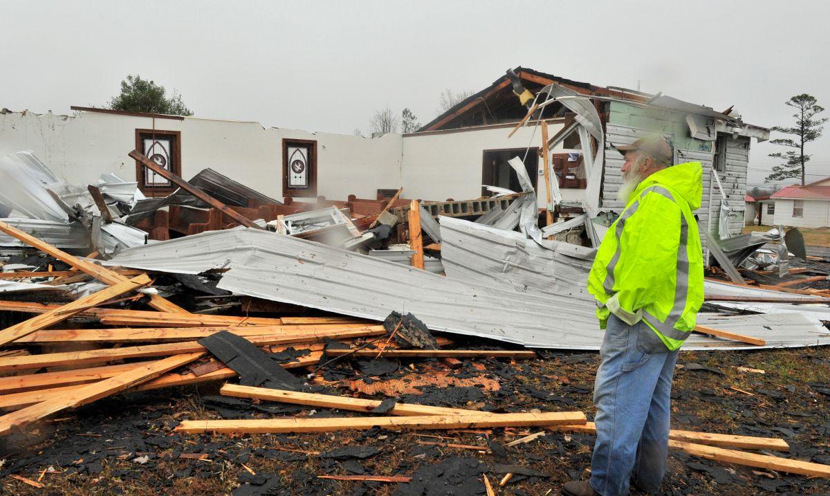 Peligrosas tormentas en varios estados causan inundaciones con al menos un muerto
