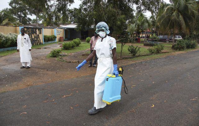 Liberia cerró parte de sus fronteras para evitar la propagación del ébola en 2014