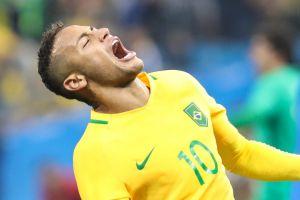 Neymar es captado bailando durante el Carnaval de San Salvador de Bahía