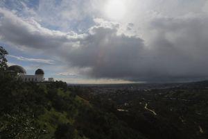 Río atmosférico se acerca con fuerza al sur de California causando evacuaciones mandatorias