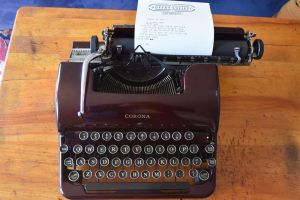 Los retro poetas descubren su nueva inspiración con las antiguas máquinas de escribir
