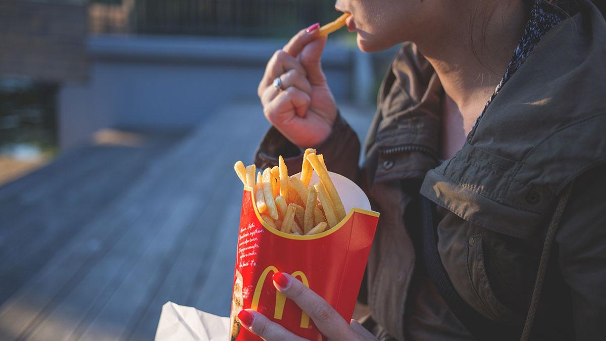 Cómo McDonald's te hace gastar más