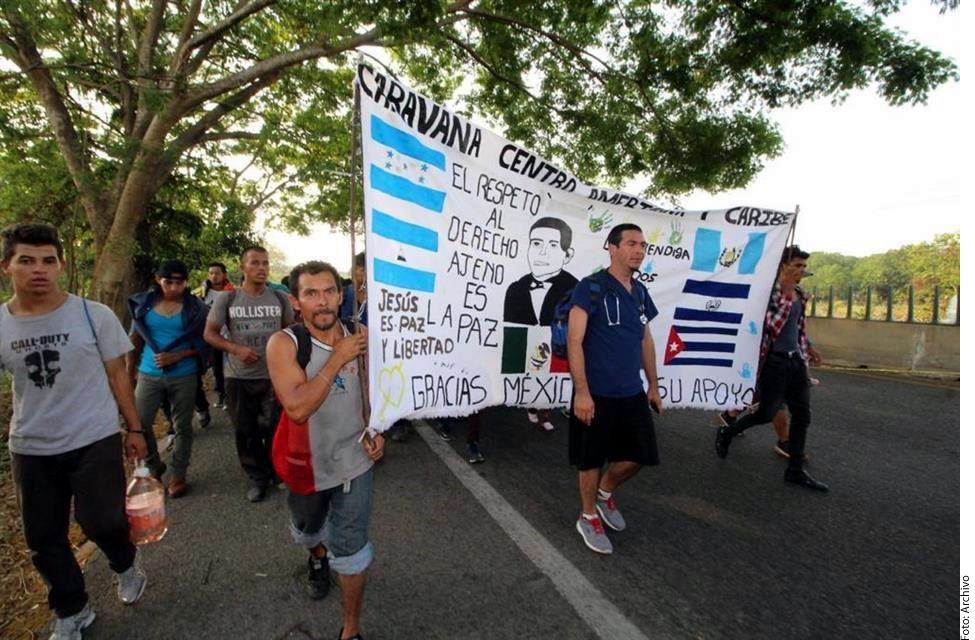 El cansancio alcanzó a la nueva caravana migrante, hace parada en Huehuetán, Chiapas