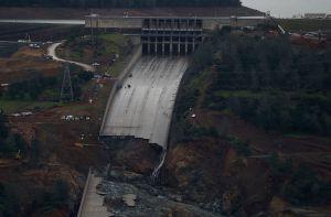 Administración de Trump niega fondos para pagar millonaria reparación de la represa Oroville