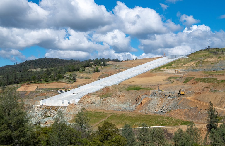 Oroville se prepara para uso de nuevo aliviadero en medio de discusión por reembolso de FEMA