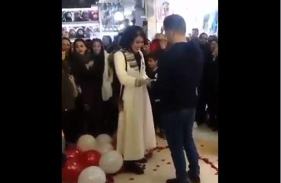 En Irán, este acto atenta contra la cultura.
