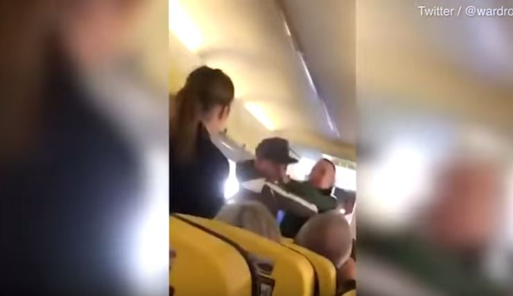 Pasajeros protagonizan pelea en pleno vuelo de avión Ryanair