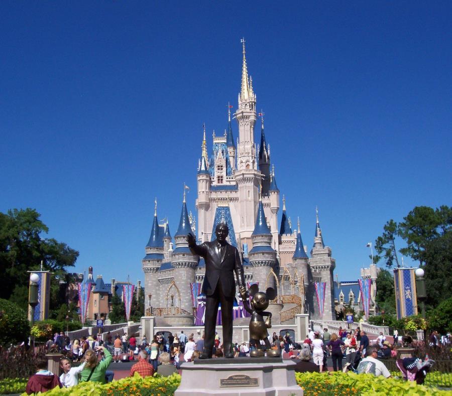 Walt Disney World deja de pagar a más de 43,000 empleados por el coronavirus