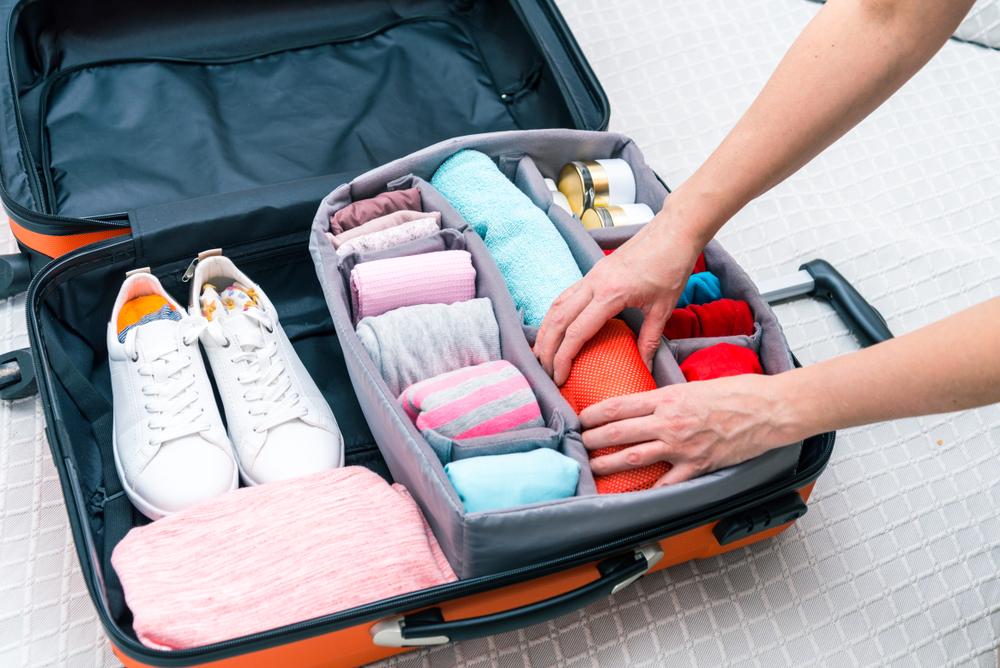3 kit de estuches de embalaje para organizar tu maleta cuando viajas
