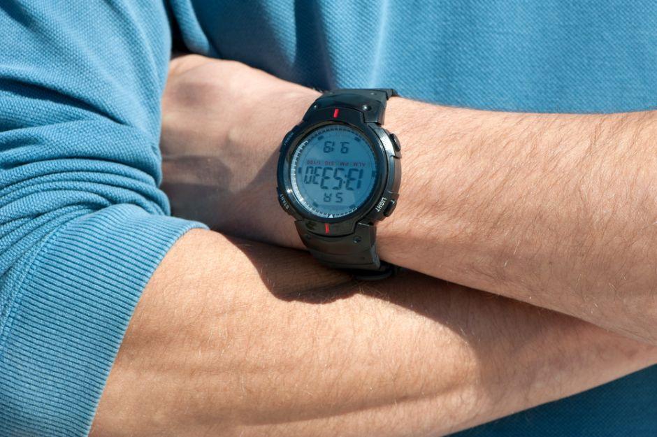 7 relojes digitales para hombres por menos de $15