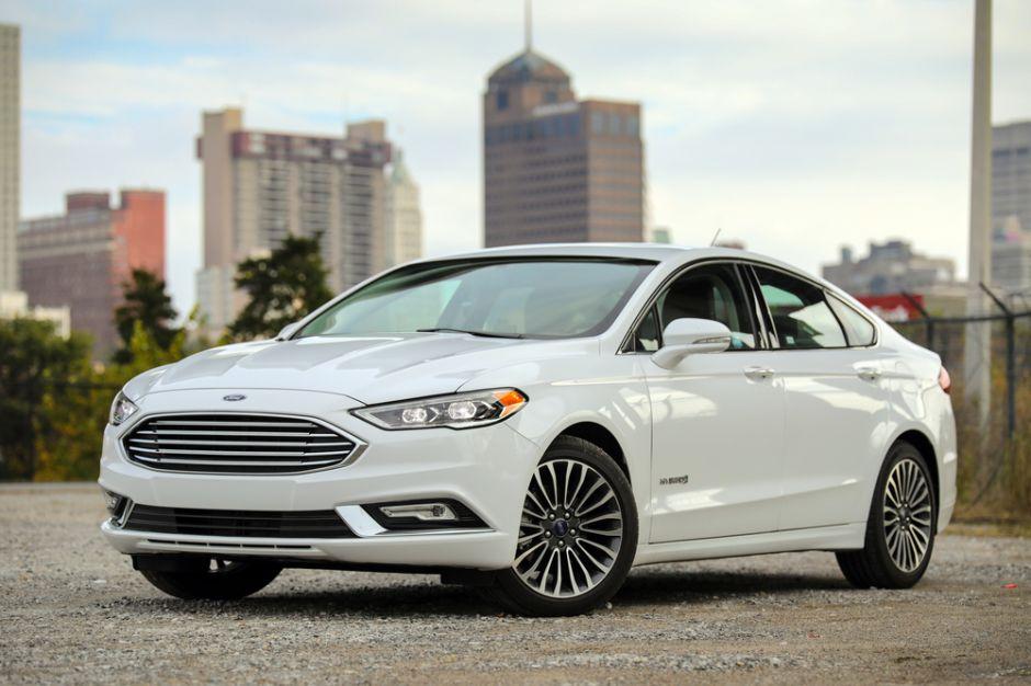 ¿Qué diferencia al Ford Fusion Energi Titanium de los otros modelos híbridos del mercado?