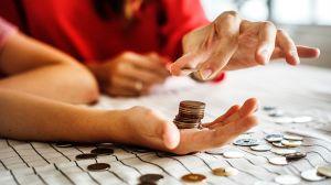 3 consejos del millonario Warren Buffett para que enseñes a tus hijos a manejar el dinero