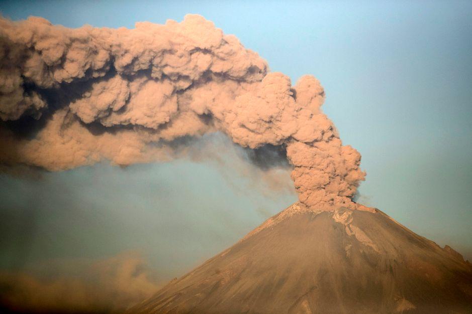 Las impresionantes imágenes de la erupción del volcán Popocatépetl