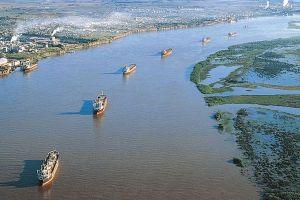Hidrovía Paraguay-Paraná: cómo es la salida al mar por el Atlántico que comenzó a usar Bolivia