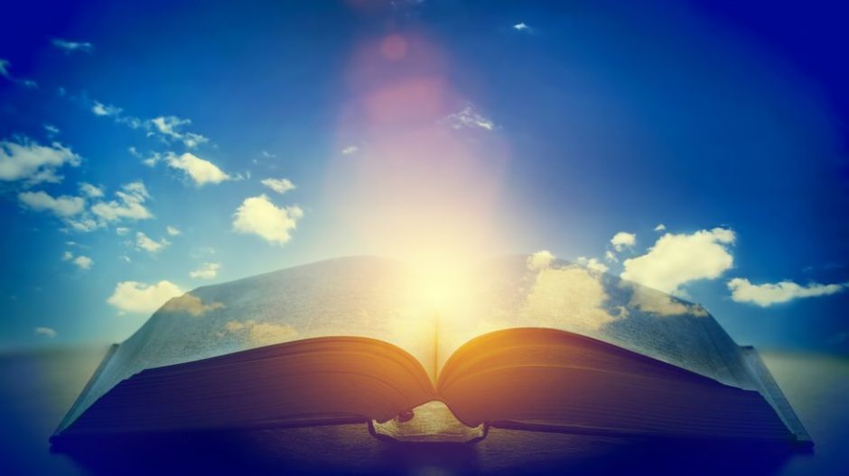 La idea sobre dios y la religión de 5 grandes científicos de la historia
