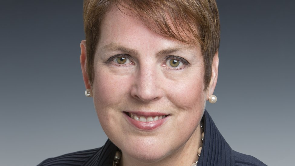 Angela Rodell maneja un fondo estatal de $65 mil millones.