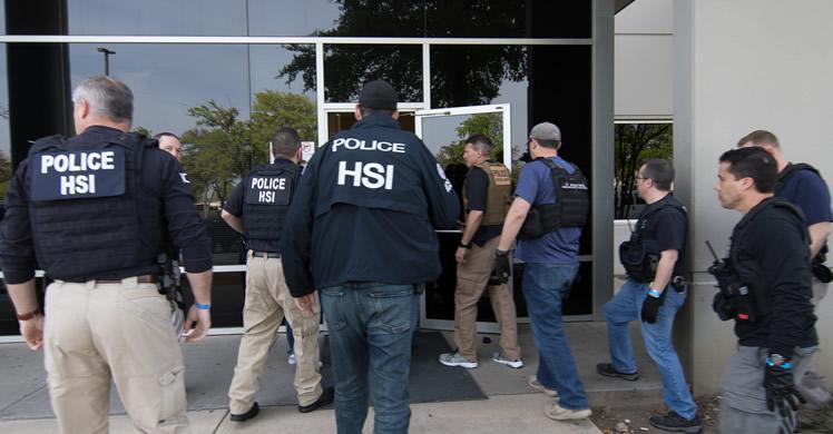Redada masiva en Dallas deja a decenas de familias en la incertidumbre.