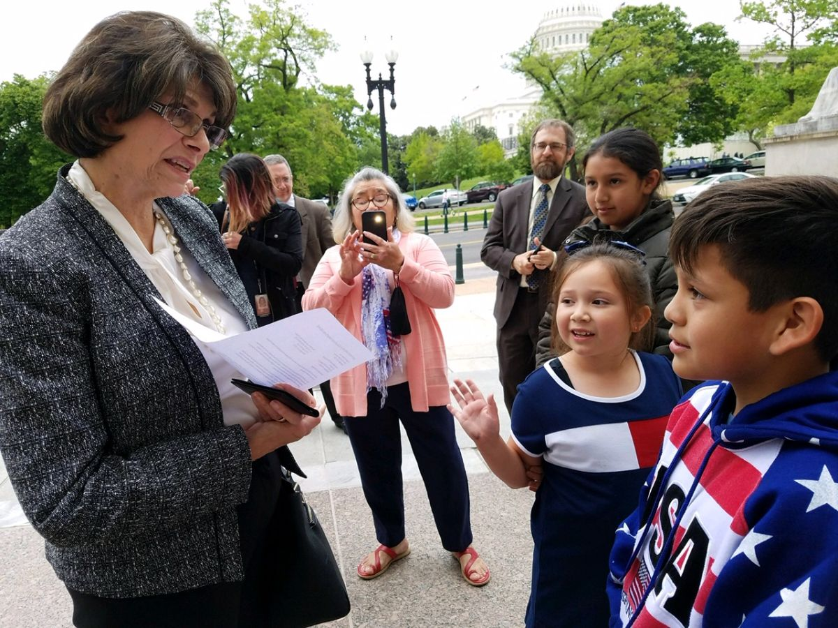 Niños Angelinos viajan a Washington para pedir a mujeres congresistas apoyo para una reforma migratoria y así sus padres no sean deportados. (Suministrada)
