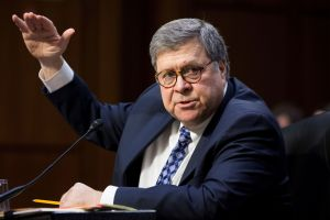 ¿El fiscal general William Barr tiene un nuevo plan para acelerar deportaciones?