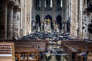 Estado Islámico (ISIS) celebra con afiche destrucción de catedral de Notre-Dame en París