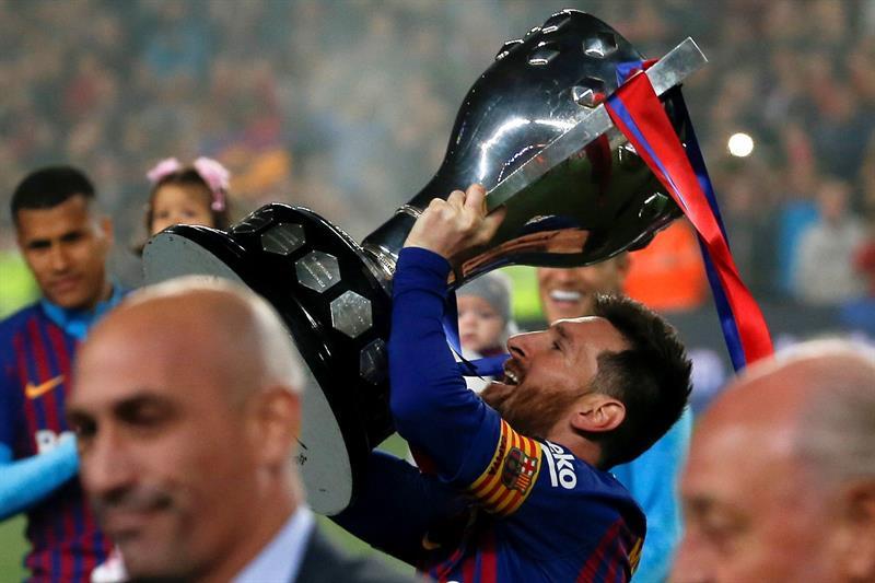 Messi le da al Barcelona el título de campeón de España