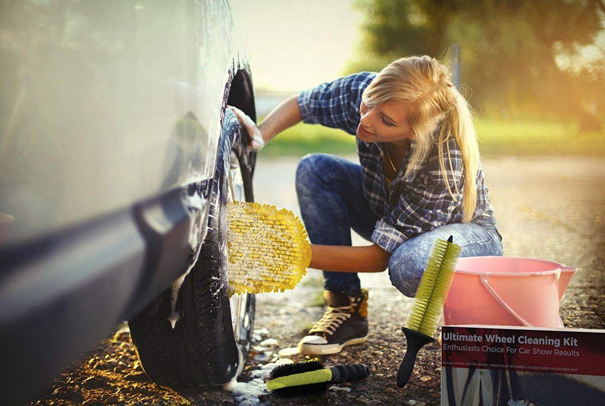 Los 6 mejores kits de limpieza para que ahorres dinero limpiando tu auto por ti mismo