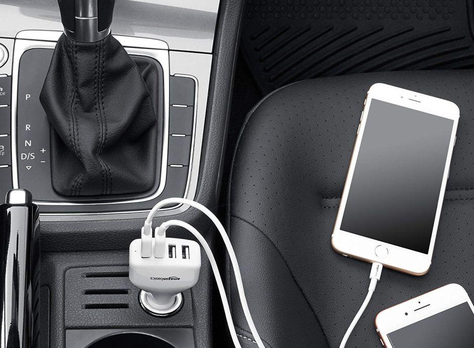 7 cargadores de teléfono celular y otros electrónicos para tener en tu auto