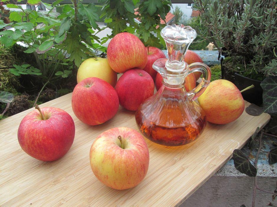 Por qué es bueno tomar vinagre de manzana antes de dormir para adelgazar