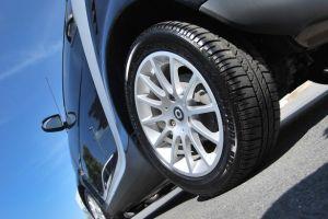 ¿Tu auto se agita a la hora de frenar? Esto es lo que puede estar ocurriendo