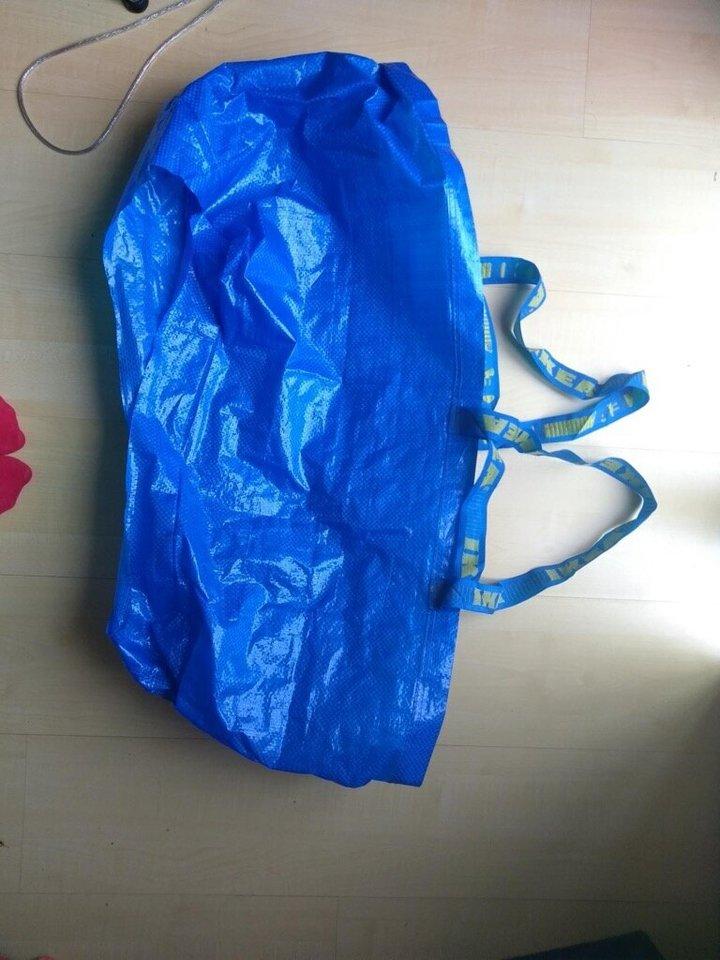 Una bolsa de Ikea solucionó los problemas de una novia el día de su boda
