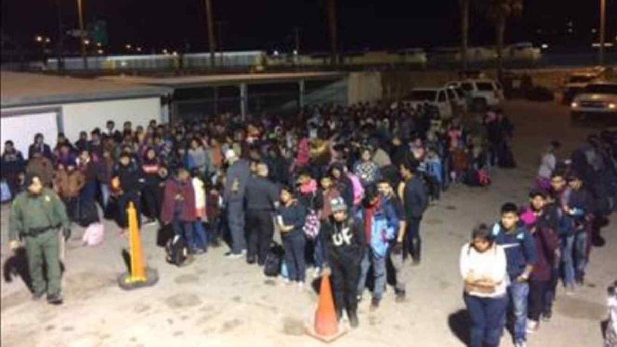 Es urgente mejorar las condiciones de los centros de detención de inmigrantes.