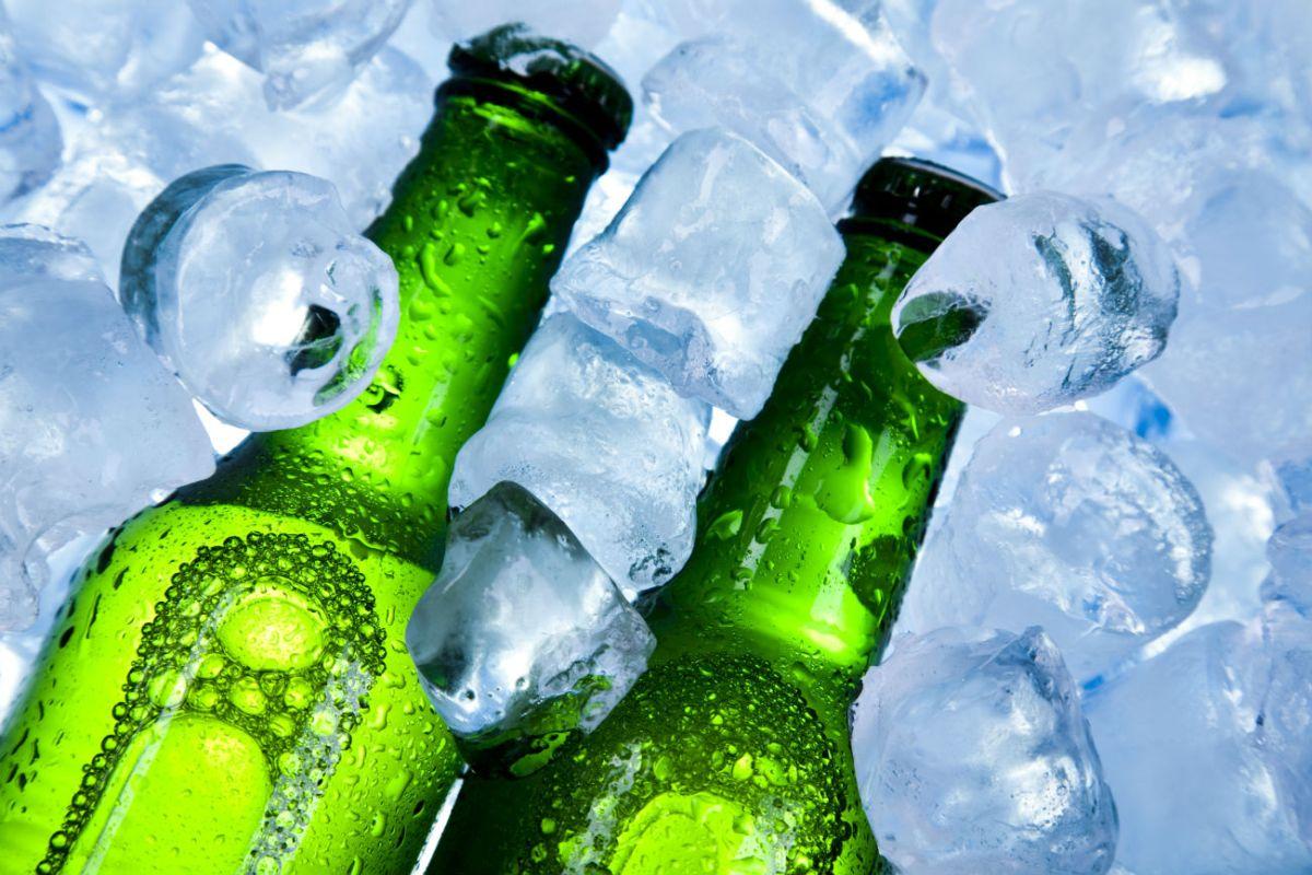 A tomar cerveza durante el trabajo, es la propuesta de senador mexicano