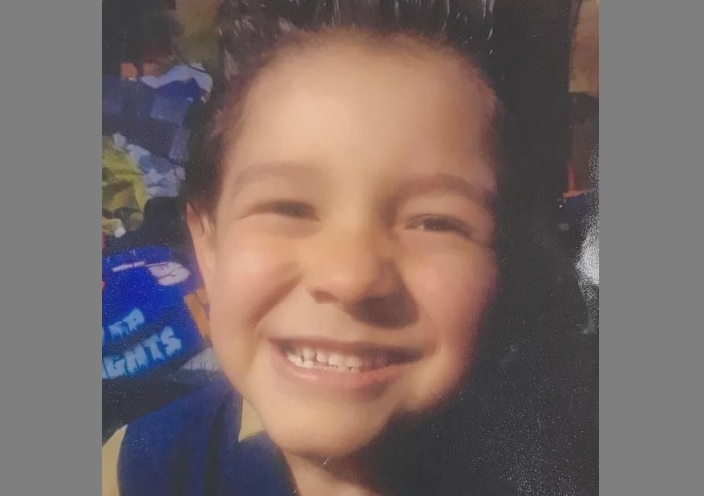 Duke Flores no fue reportado como desaparecido. Su madre informó a la policía que no lo había visto en dos semanas.