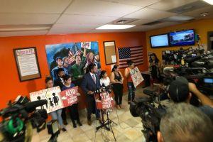 Congelan temporalmente orden de deportación de niña de 11 años