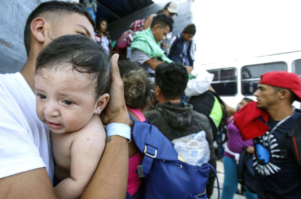 Centroamericanos ingresan ilegalmente a México.
