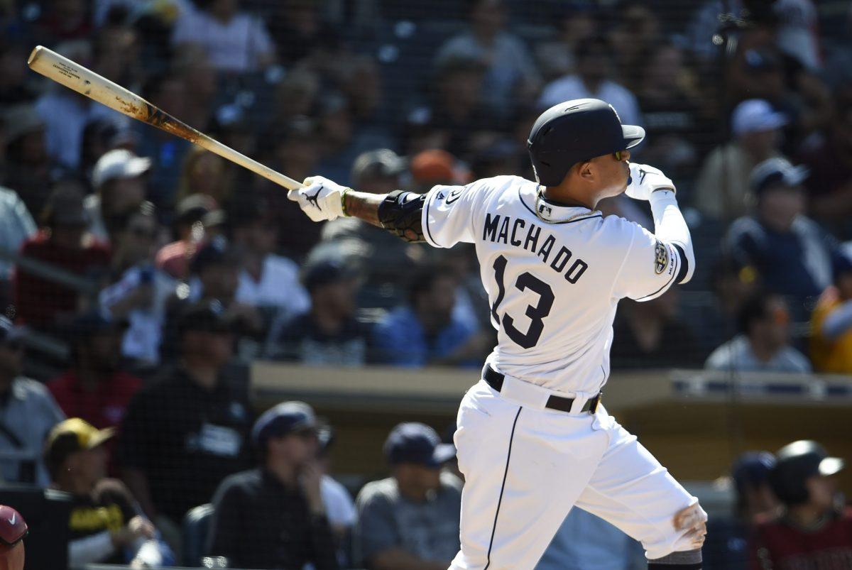 El pelotero de origen dominicano Manny Machado pega su primer cuadrangular con los San Diego Padres en contra de Arizona.