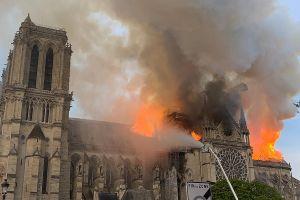 No, Trump. El incendio de Notre Dame no se puede apagar con aviones que lancen agua. Aquí la razón