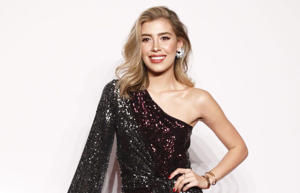 Michelle Salas se rinde también a la tendencia de los vestidos transparentes