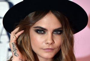 Vogue muestra las axilas peludas de la sexy modelo Cara Delevingne