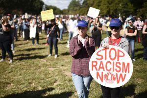 """El poema """"sumamente racista"""" que causa indignación en Austria por comparar a los emigrantes con ratas"""