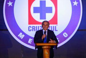 Se les viene la noche: Policía toma control de las instalaciones del corporativo Cruz Azul