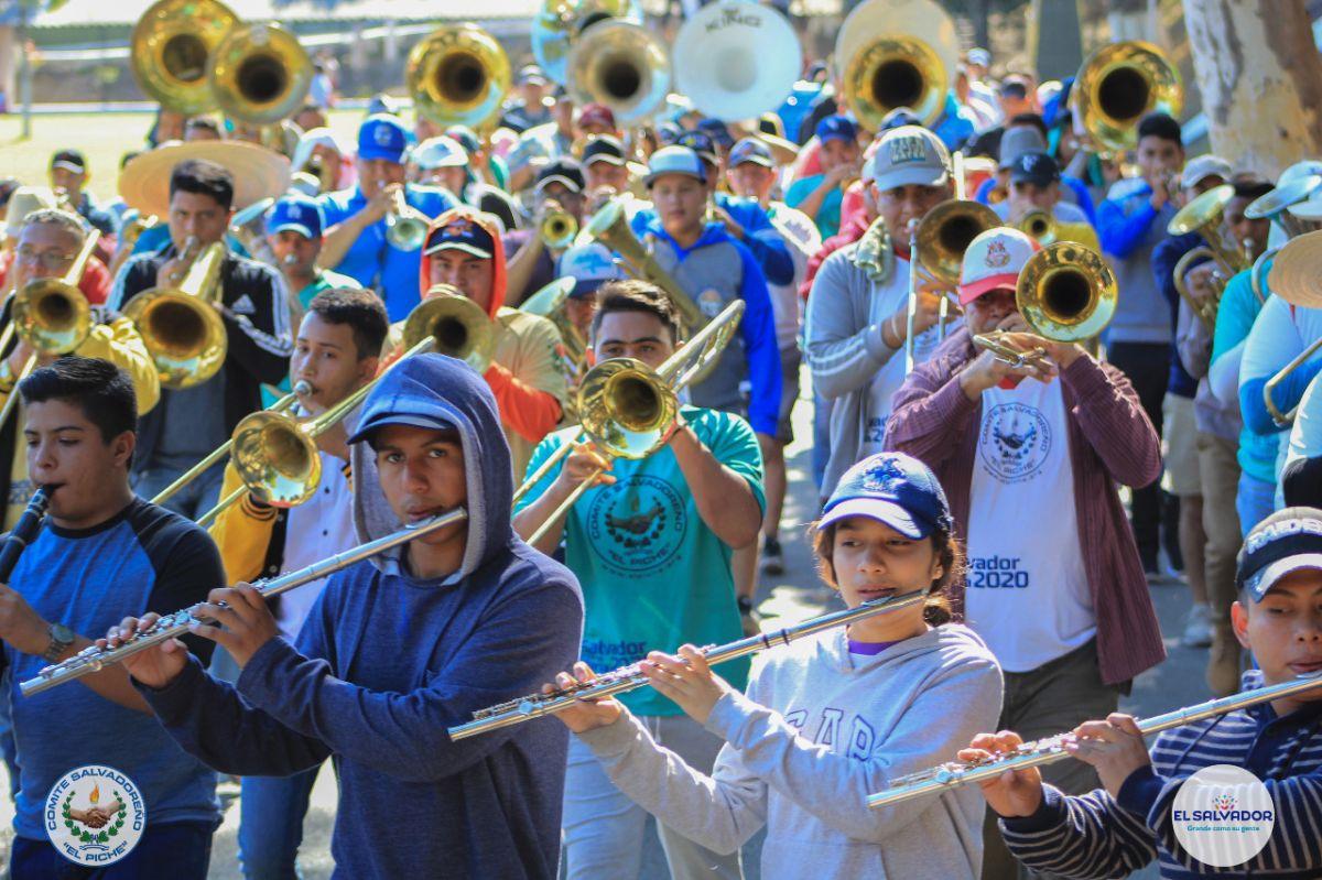 Banda musical de El Salvador promete participación digna en el Desfile de las Rosas