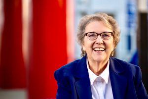 Editorial: La Opinión apoya a Jackie Goldberg
