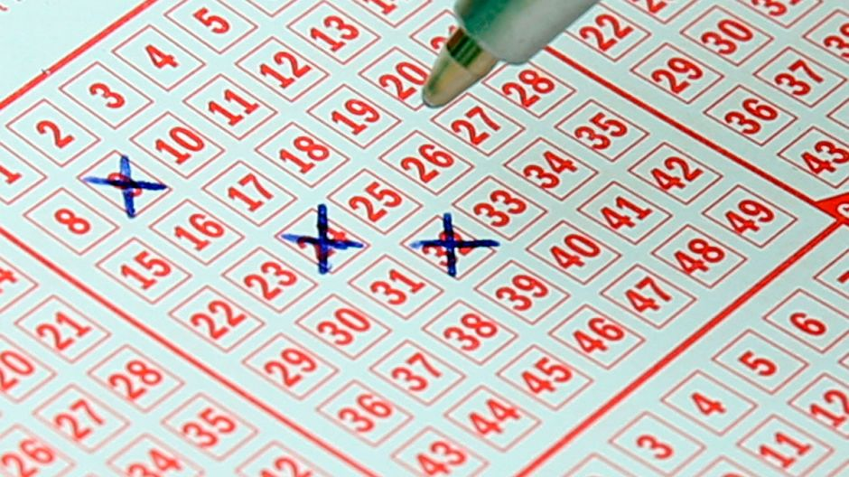 ¿Cuánto tendrías que pagar de impuestos si ganaras la lotería?